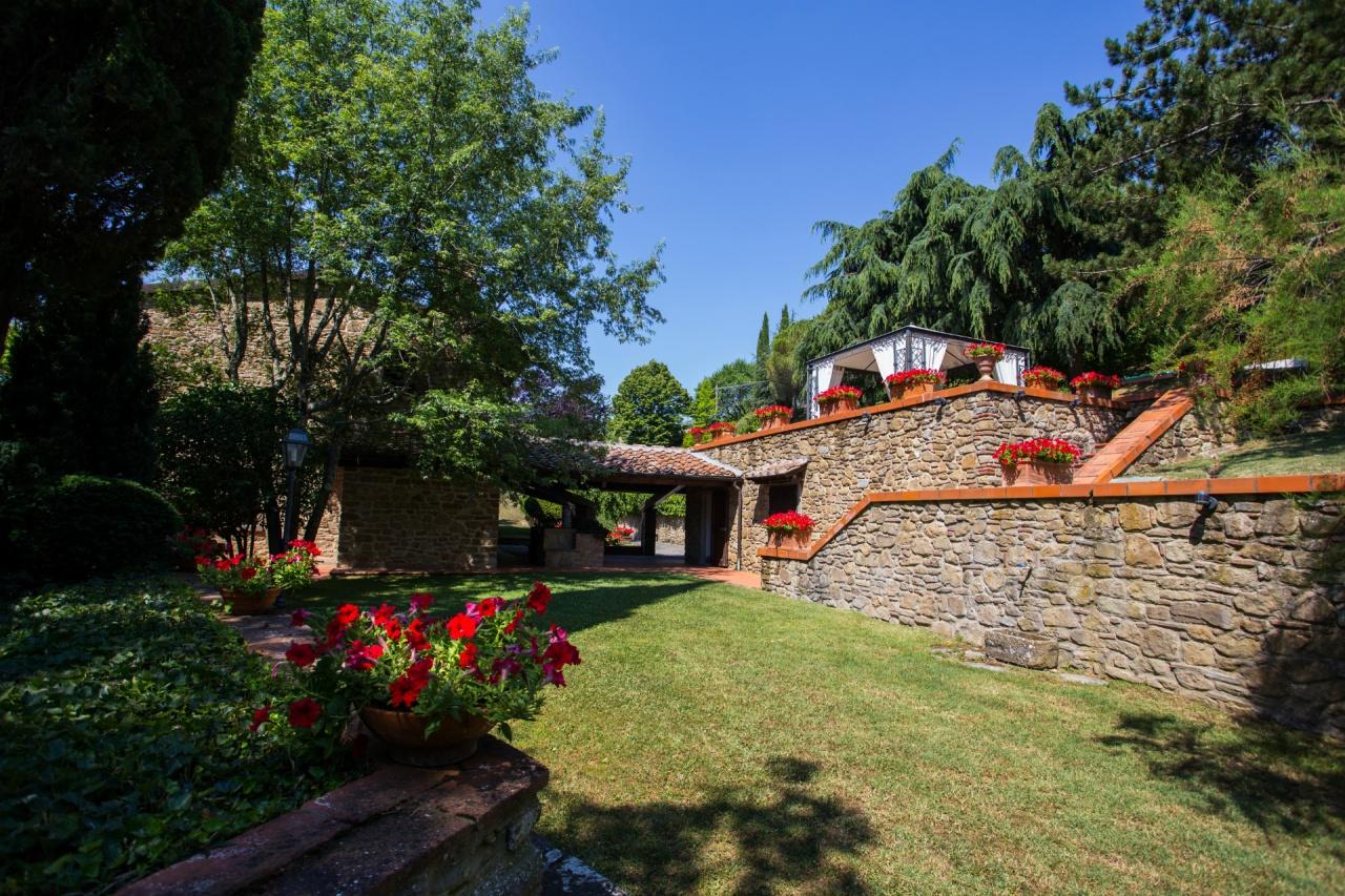 Villa in vendita a Arezzo, 6 locali, Trattative riservate   CambioCasa.it