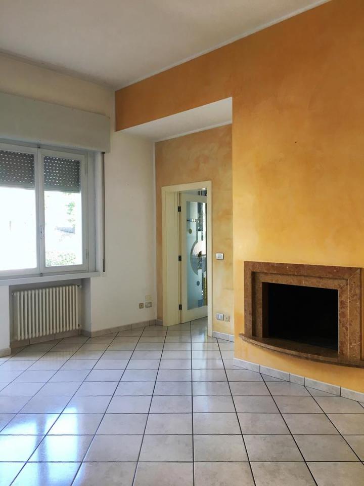 Soluzione Indipendente in affitto a Arezzo, 4 locali, prezzo € 650   CambioCasa.it