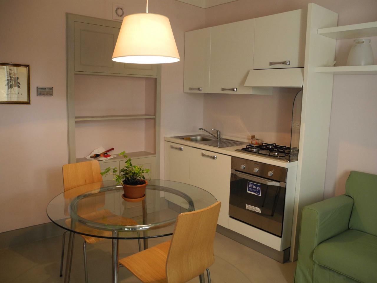 Appartamento ristrutturato arredato in affitto Rif. 10411132