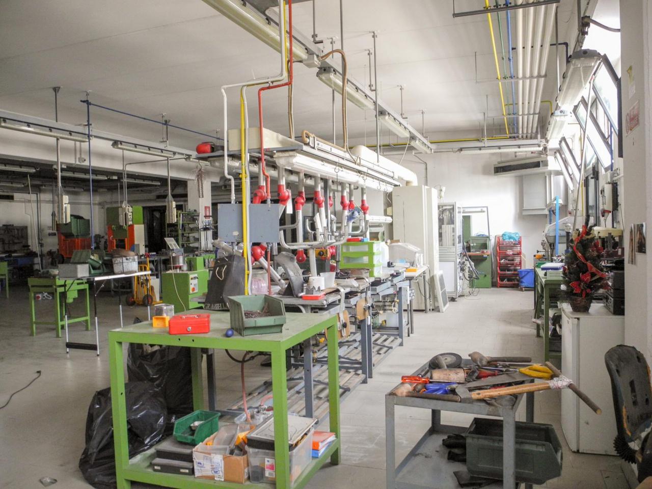 Fondo artigianale in vendita a Arezzo (AR)