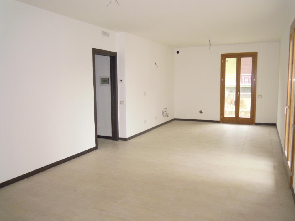 Appartamento in vendita a Chiuduno, 4 locali, prezzo € 180.000   Cambio Casa.it