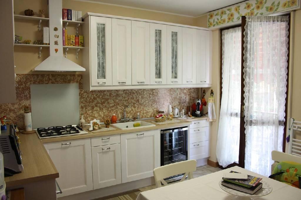 Appartamento in affitto a Dalmine, 3 locali, prezzo € 600 | Cambiocasa.it