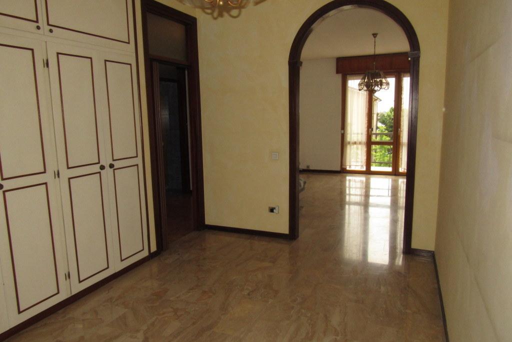 Appartamento in vendita a Gorle, 3 locali, prezzo € 98.000 | Cambio Casa.it