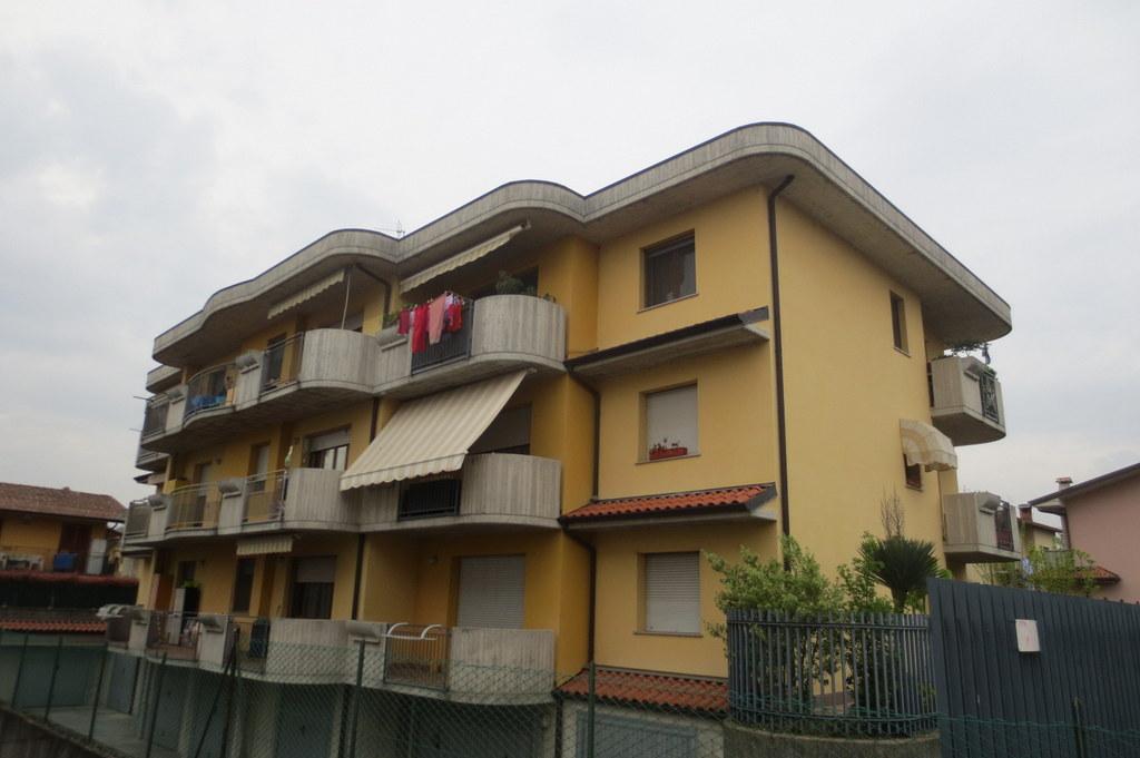 Appartamento in vendita a Gorlago, 3 locali, prezzo € 109.000 | Cambio Casa.it