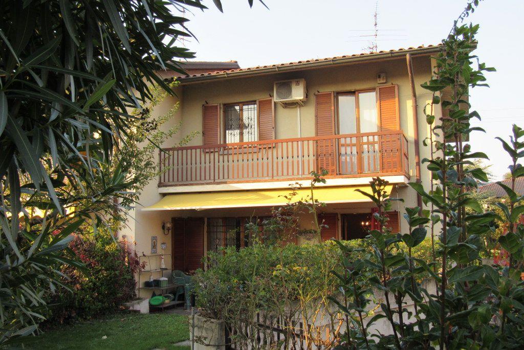 Villa a Schiera in vendita a Mozzo, 4 locali, zona Zona: Pascoletto, prezzo € 300.000 | Cambio Casa.it
