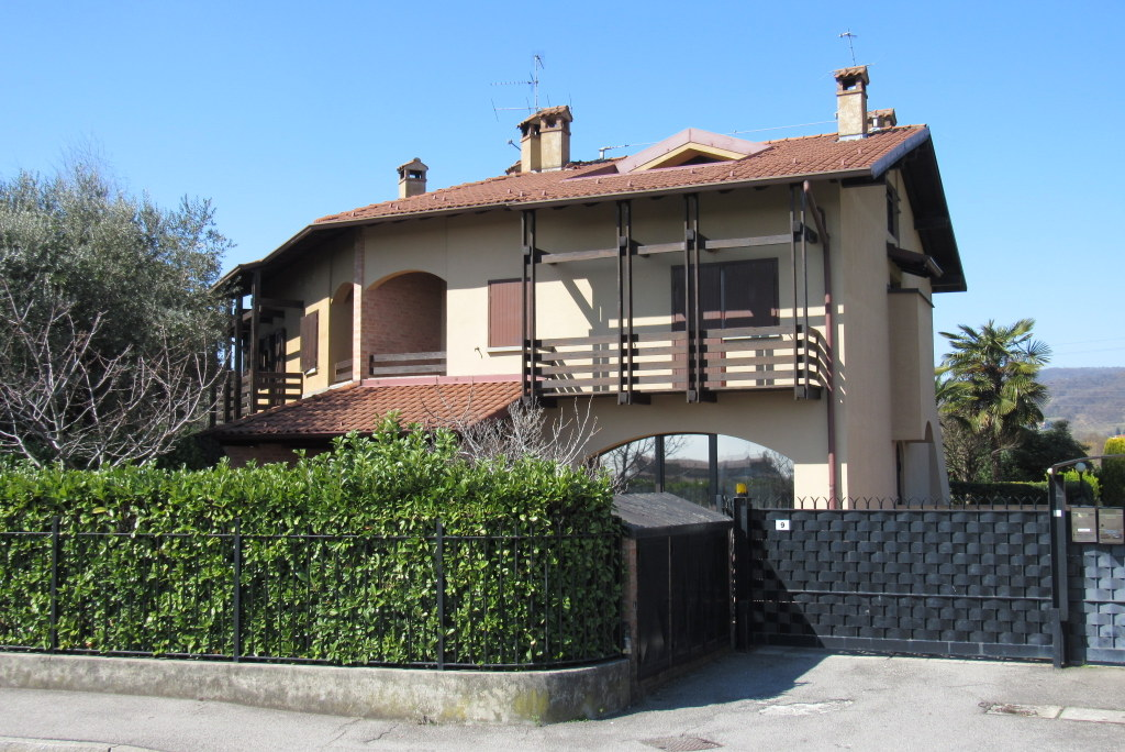 Villa a Schiera in Vendita a Torre Boldone