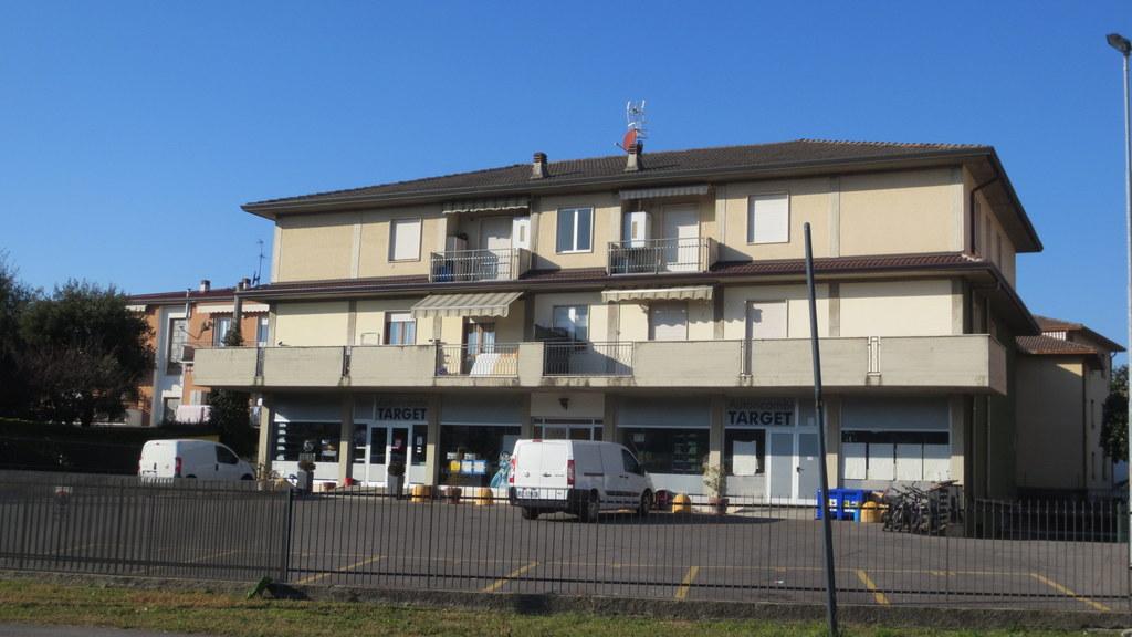 Appartamento in vendita a San Paolo d'Argon, 4 locali, prezzo € 119.000 | Cambio Casa.it