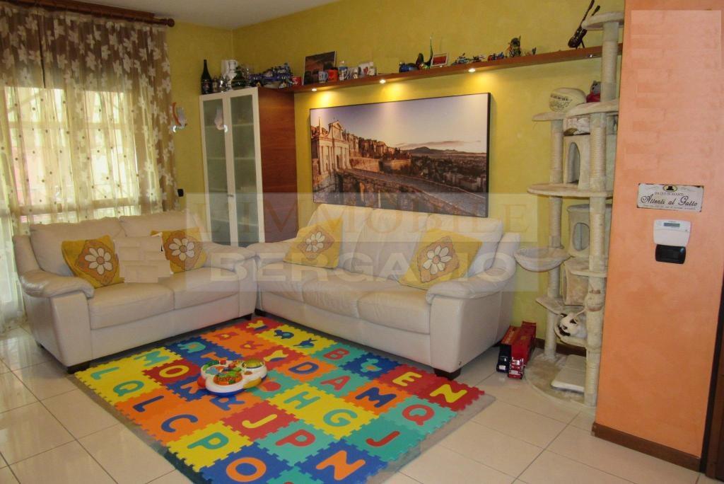 vendita appartamento seriate   175000 euro  3 locali  92 mq