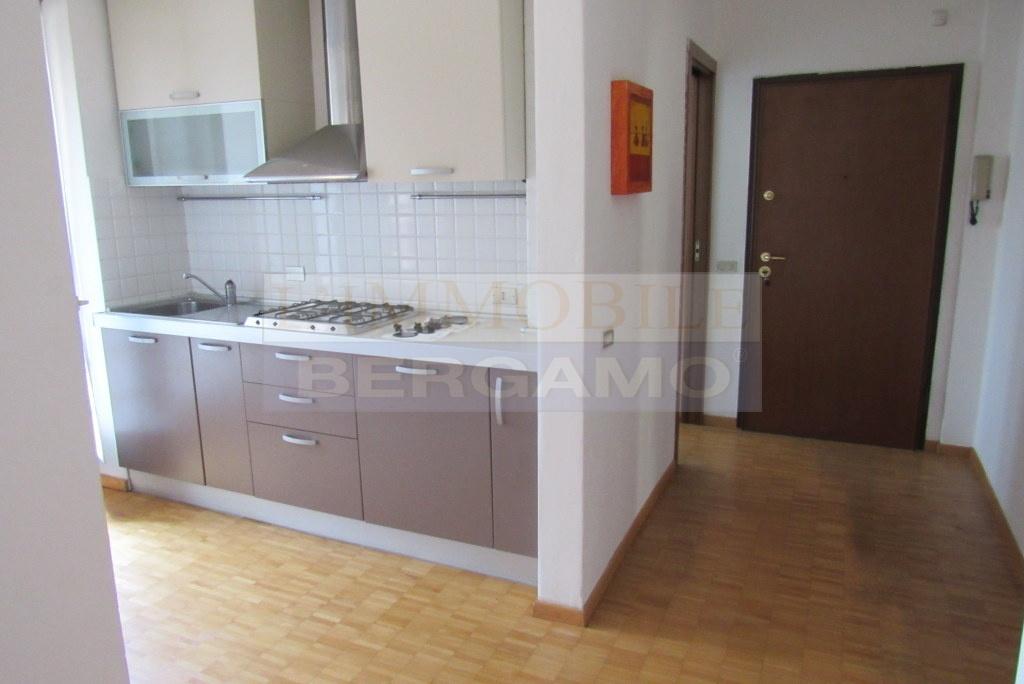 Appartamento in ottime condizioni in vendita Rif. 8456739
