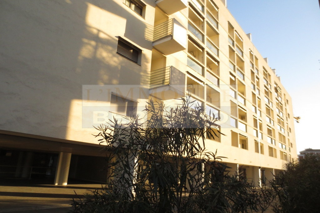 Ufficio in ottime condizioni in vendita Rif. 9943074