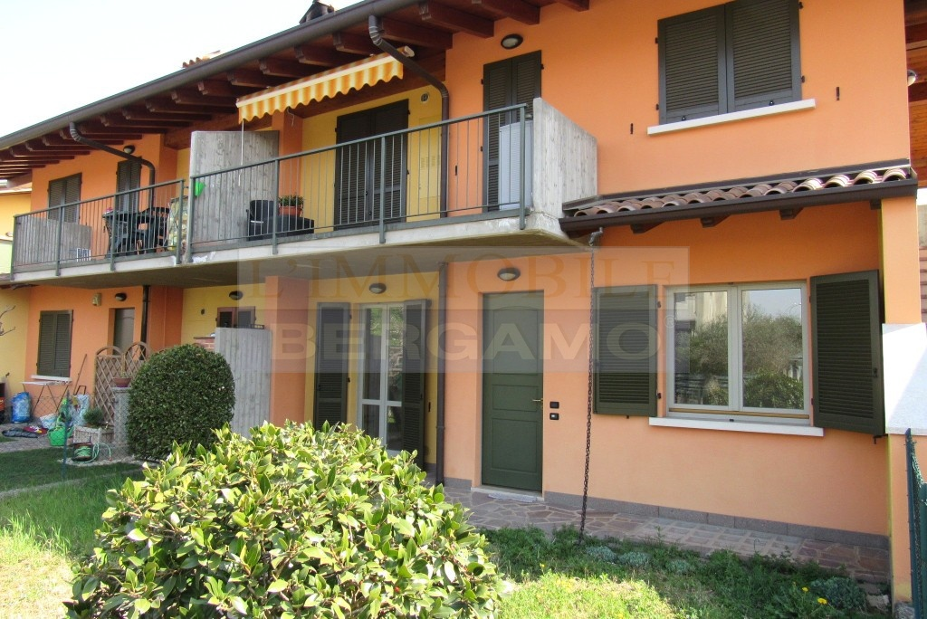 Appartamento in ottime condizioni in vendita Rif. 9978872
