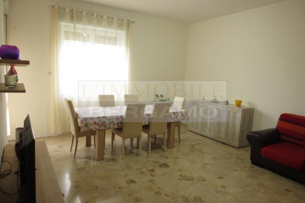 Appartamento da ristrutturare in vendita Rif. 10569358