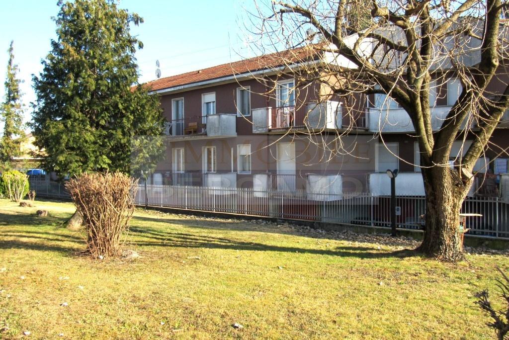 Appartamento in buone condizioni in vendita Rif. 10569365
