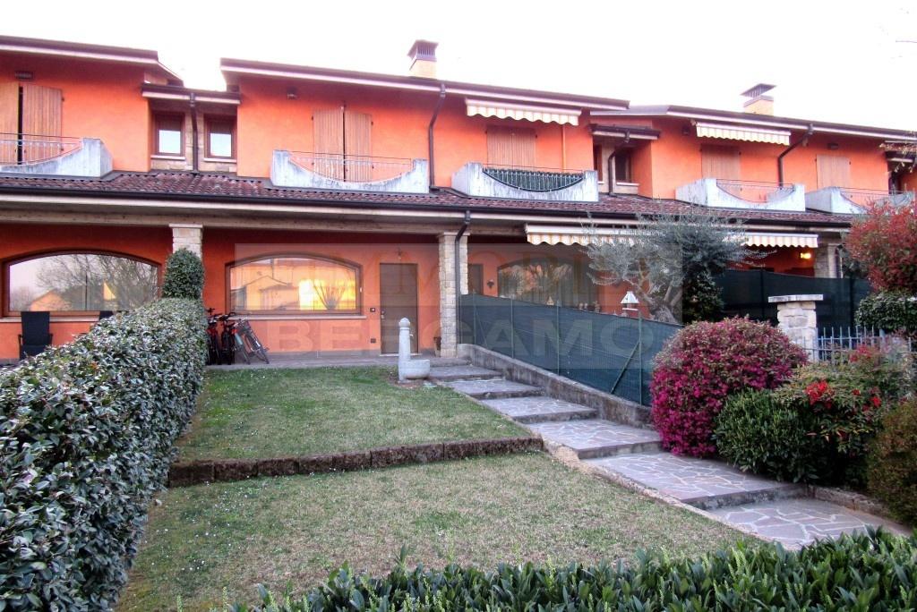 Villa a Schiera in vendita a Pognano, 3 locali, prezzo € 198.000 | PortaleAgenzieImmobiliari.it