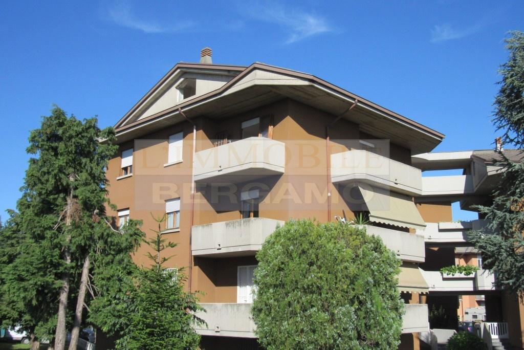 Appartamento in vendita a Grassobbio, 4 locali, prezzo € 120.000   PortaleAgenzieImmobiliari.it