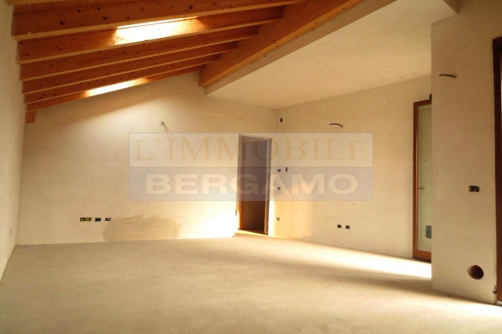 Appartamento in vendita a Bolgare, 3 locali, prezzo € 167.000 | PortaleAgenzieImmobiliari.it