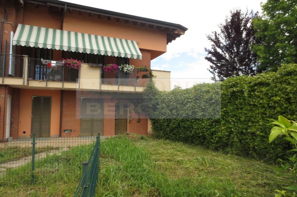 Appartamento in vendita a Boltiere, 3 locali, prezzo € 155.000 | PortaleAgenzieImmobiliari.it