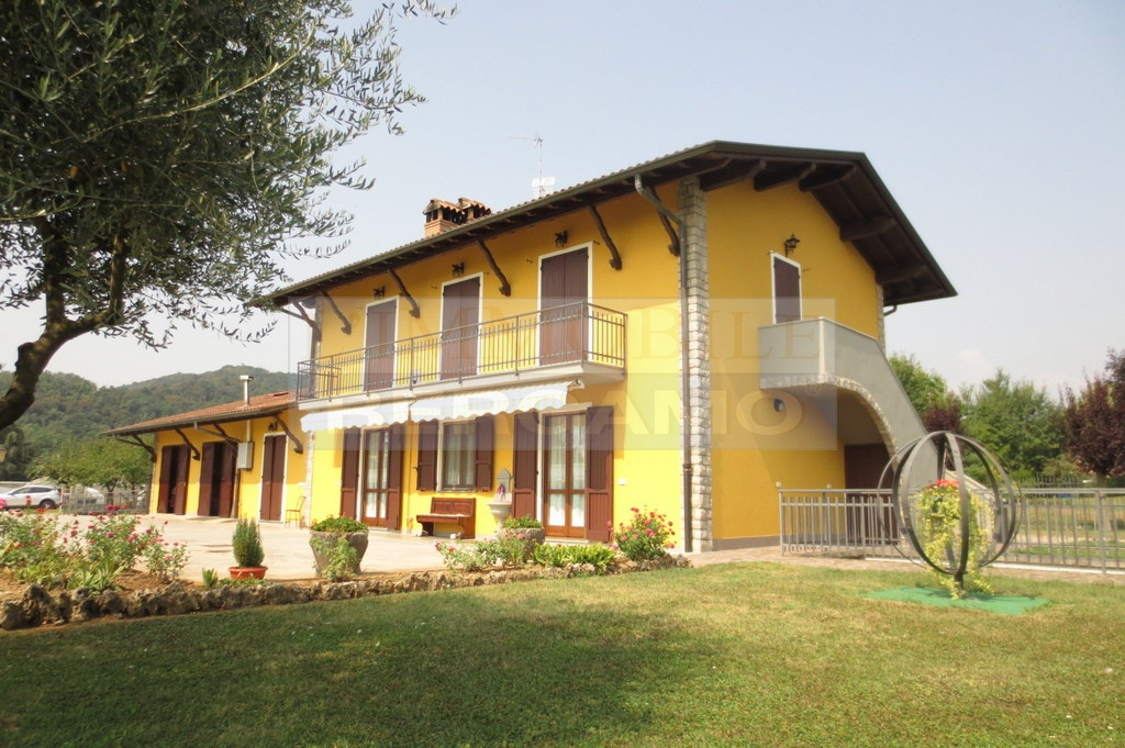 Villa in vendita a Cenate Sotto, 8 locali, prezzo € 565.000   PortaleAgenzieImmobiliari.it