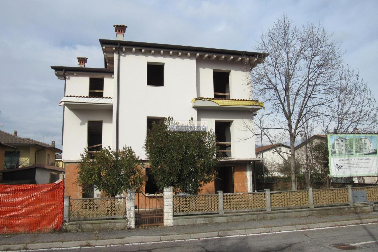 Villa in vendita a Castenedolo, 12 locali, prezzo € 420.000   PortaleAgenzieImmobiliari.it