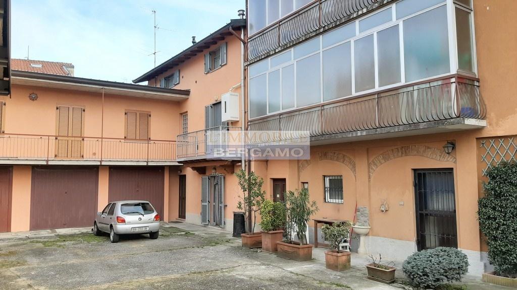 Appartamento in vendita a Bonate Sotto, 2 locali, prezzo € 65.000 | PortaleAgenzieImmobiliari.it
