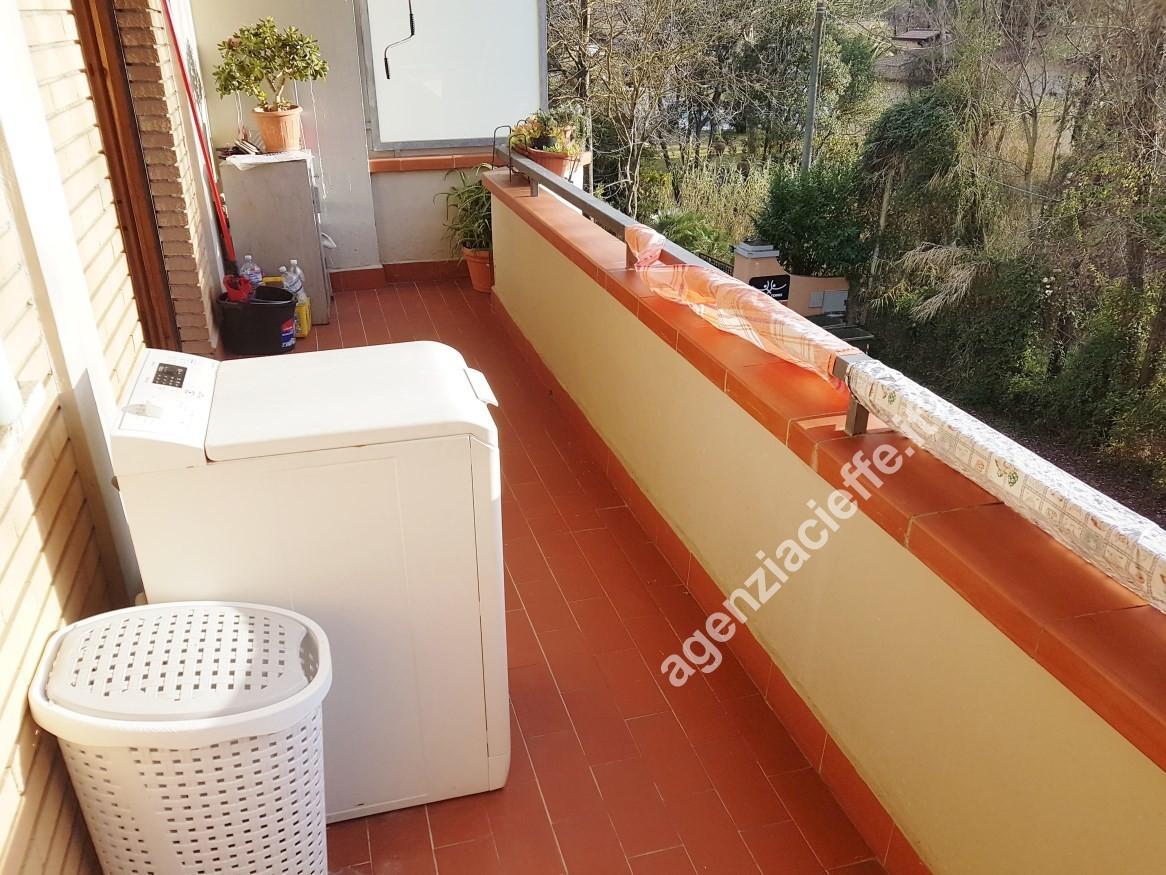 A Ronchi, in zona tranquilla e soleggiata, si vende appartamento bilocale a 400 mt dalla spiaggia di Marina di Massa luminoso ed ottimamente esposto