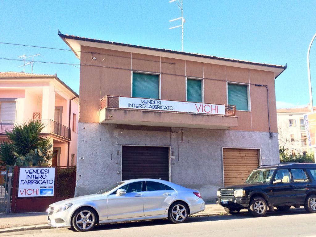 Stabile / Palazzo in discrete condizioni in vendita Rif. 4774828