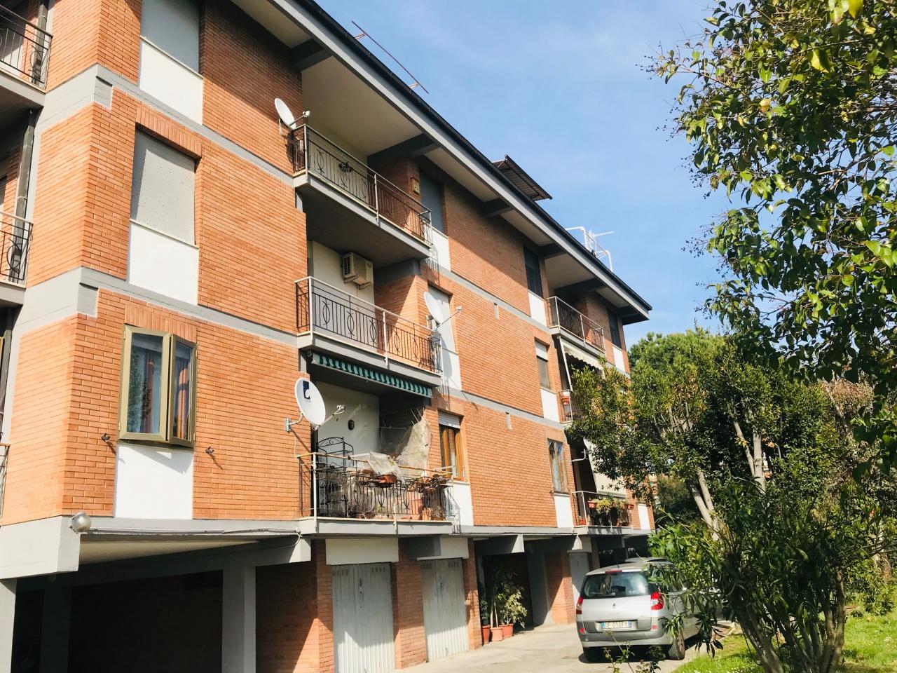 Appartamento in buone condizioni in vendita Rif. 10054526