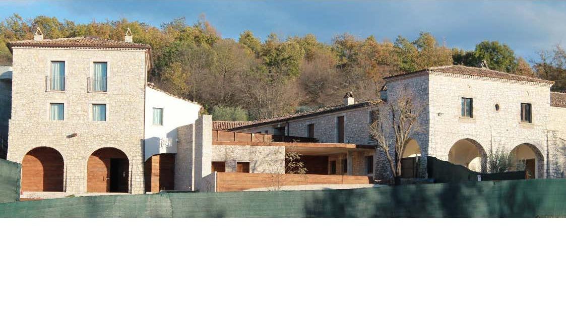 Albergo in vendita a Isernia, 9999 locali, Trattative riservate | CambioCasa.it
