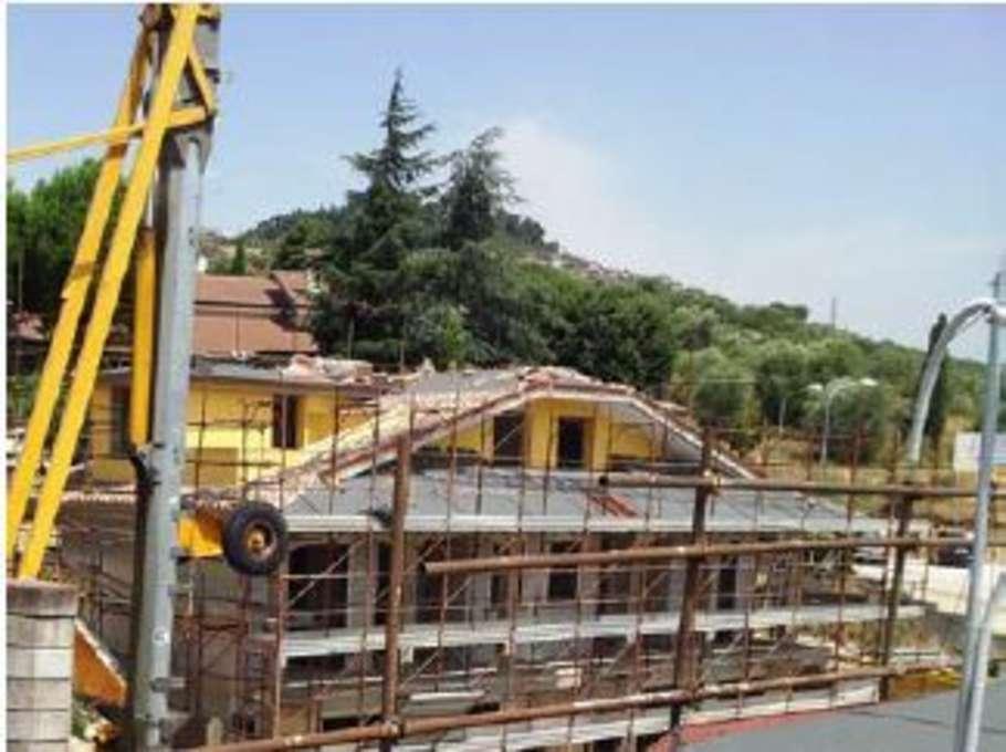 Palazzo / Stabile in vendita a Guidonia Montecelio, 9999 locali, Trattative riservate | CambioCasa.it