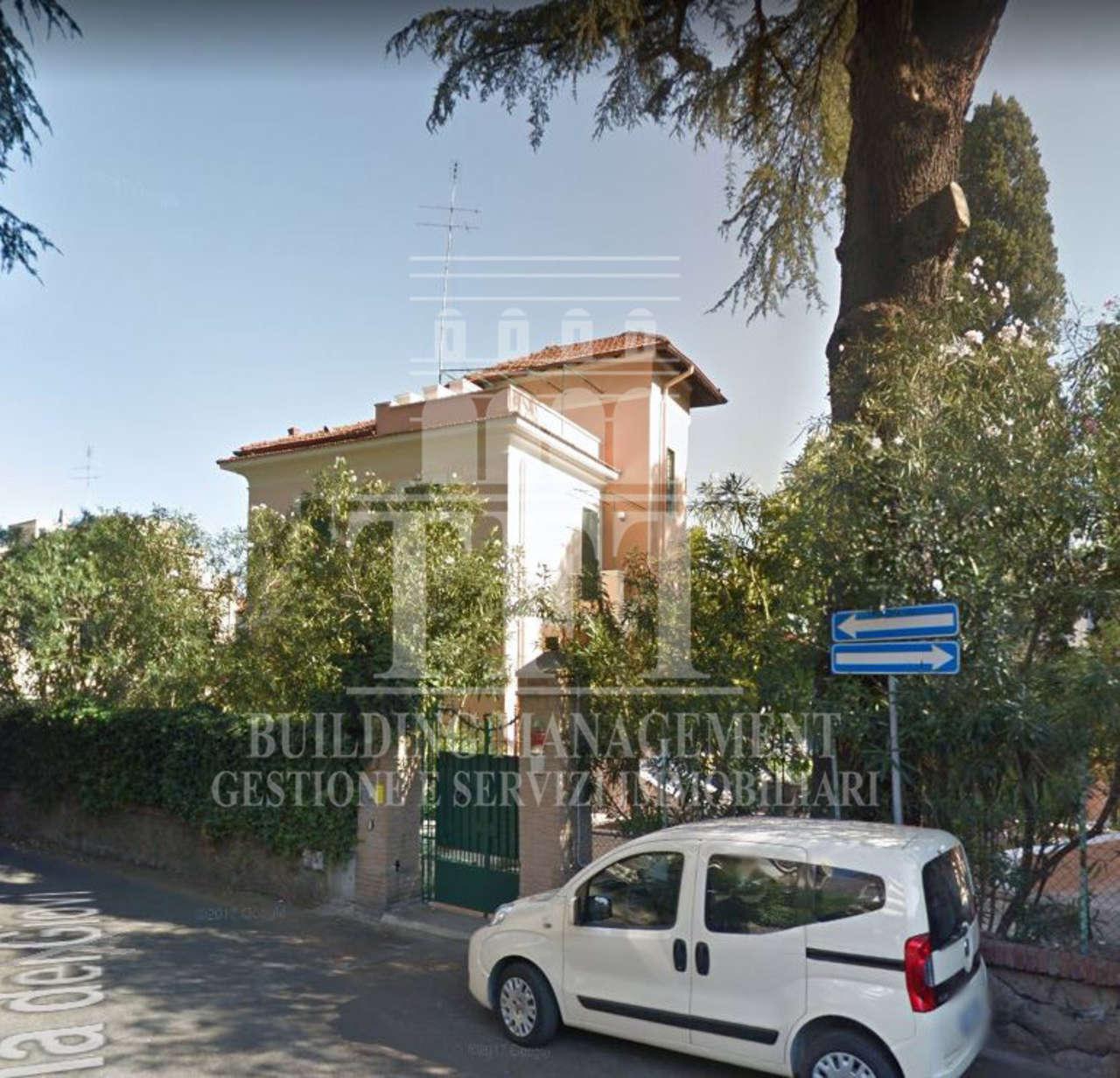 Villa 6 locali in vendita a Roma (RM)