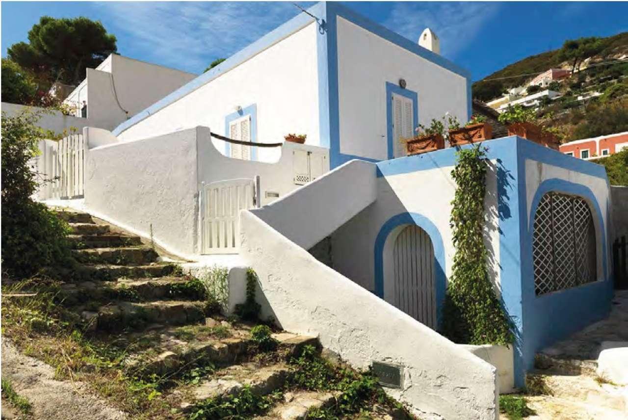 Villa in vendita a Ponza (LT)