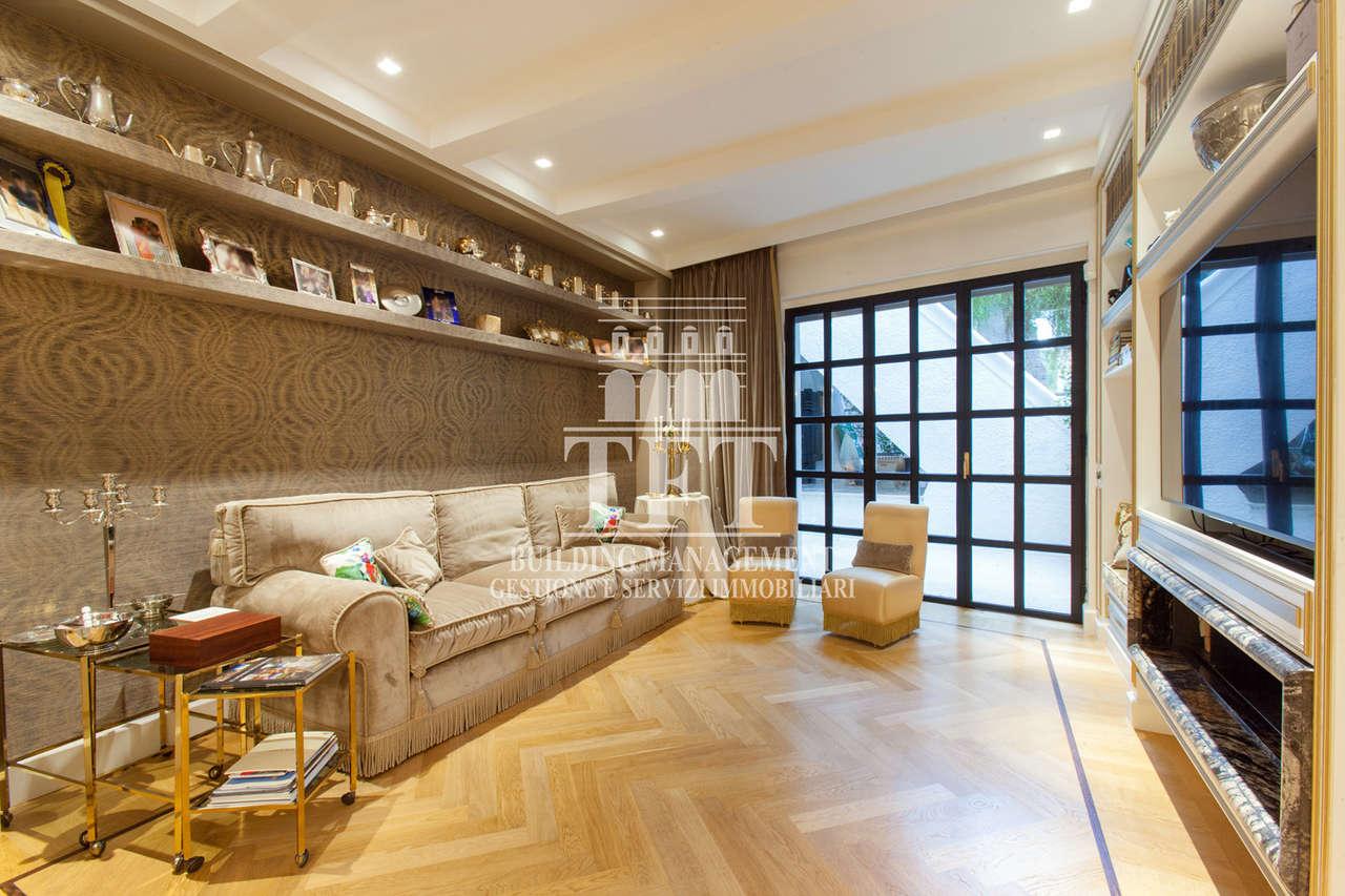 Appartamento in ottime condizioni in vendita Rif. 11518875