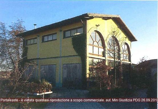 Magazzino - capannone in vendita Rif. 10061663