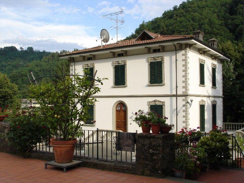 Villa in vendita a Bagni di Lucca, 30 locali, prezzo € 1.349.999 | CambioCasa.it