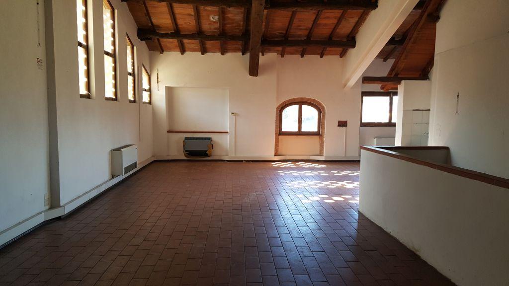 Negozio / Locale in affitto a Capannori, 9 locali, prezzo € 1.500 | CambioCasa.it