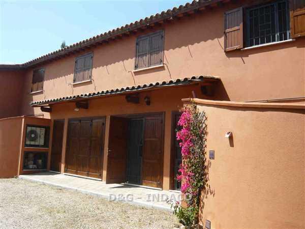 Appartamento in ottime condizioni in vendita Rif. 9916277