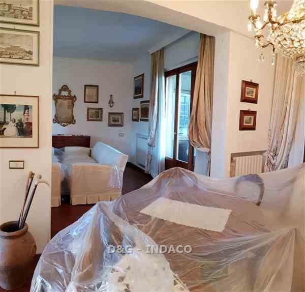 Appartamento in buone condizioni in vendita Rif. 9949278