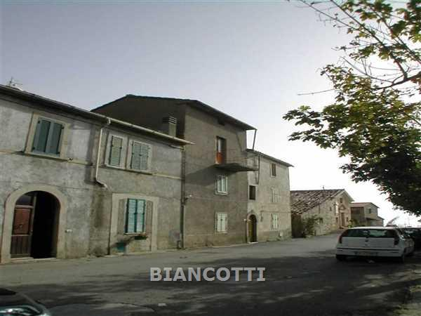 Appartamento in vendita a Cinigiano, 4 locali, prezzo € 78.000 | CambioCasa.it