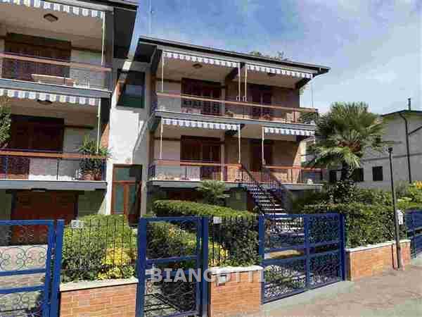 Appartamento in vendita a Grosseto, 6 locali, prezzo € 310.000 | CambioCasa.it