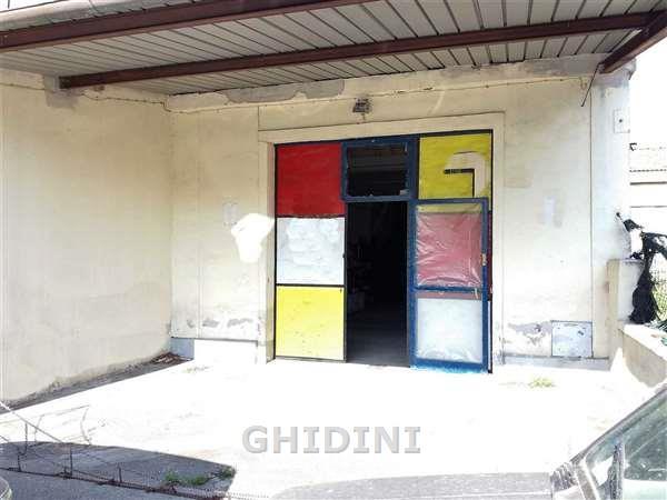 Magazzino - capannone in buone condizioni in vendita Rif. 6706396