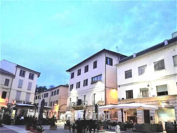 Negozio / Locale in vendita a Grosseto, 3 locali, prezzo € 295.000   CambioCasa.it