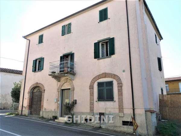 Palazzo / Stabile in vendita a Scansano, 12 locali, prezzo € 200.000 | CambioCasa.it