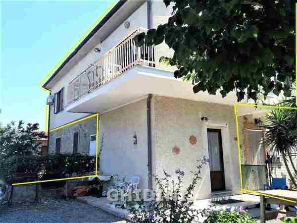 Rustico / Casale in vendita a Grosseto, 6 locali, prezzo € 180.000 | CambioCasa.it
