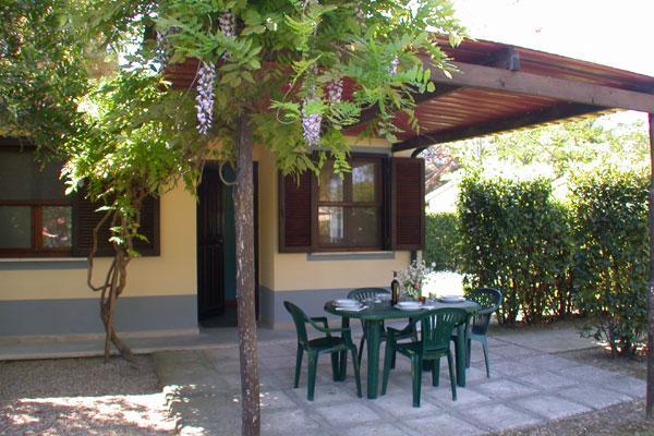 Soluzione Indipendente in affitto a Piombino, 2 locali, zona Località: follonica, prezzo € 110.000 | Cambio Casa.it