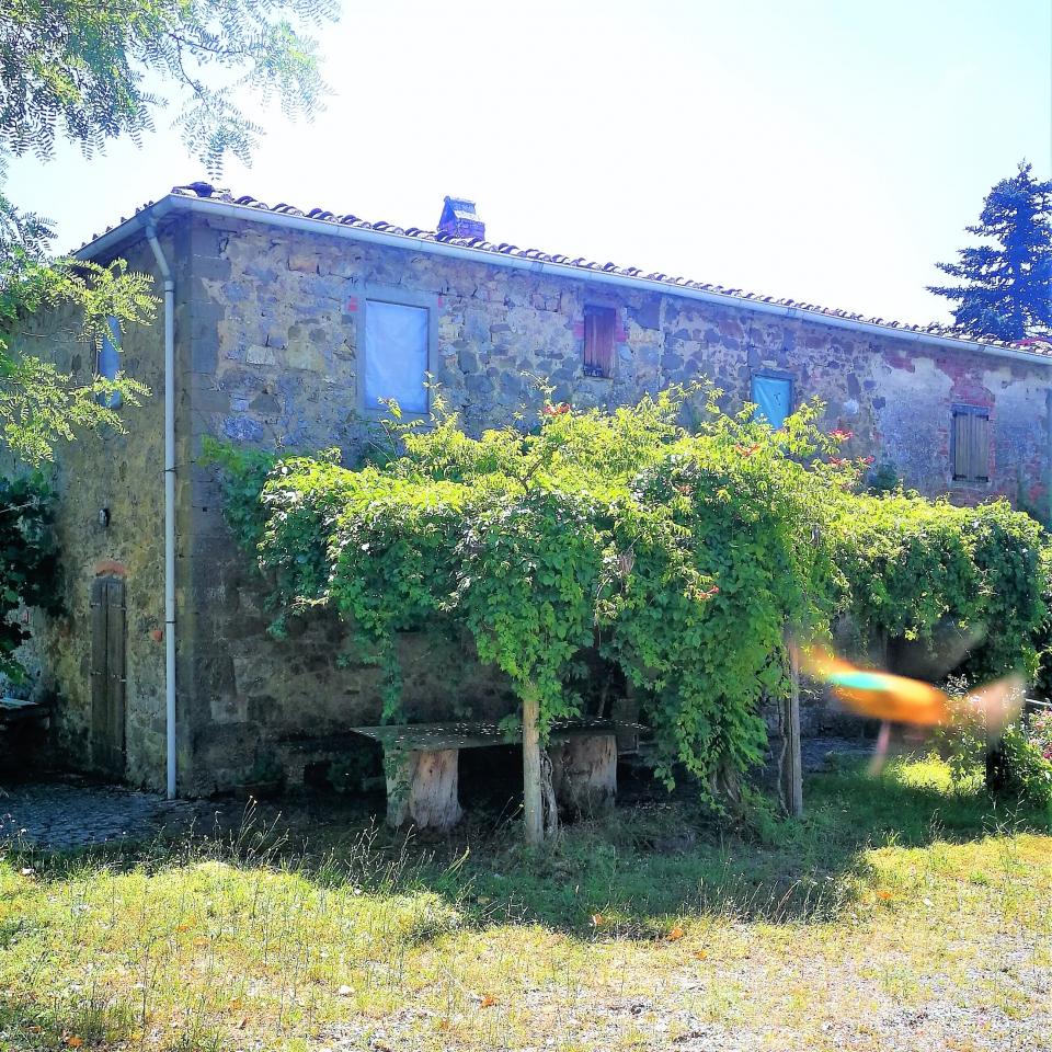 Rustico / Casale da ristrutturare in vendita Rif. 7307102