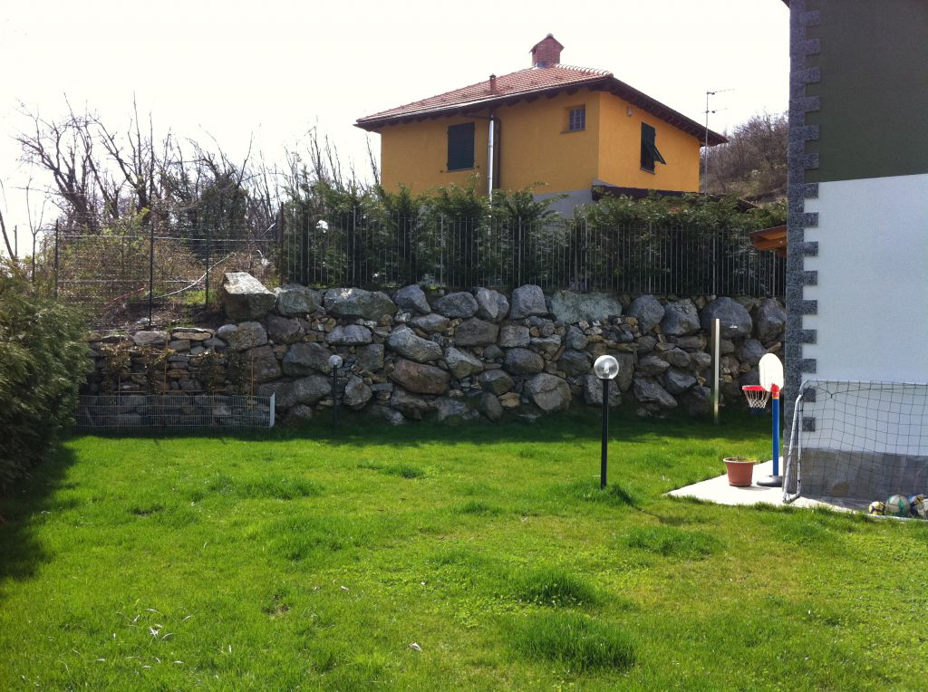 Villa in vendita a Casella, 7 locali, zona Località: CASELLA, Trattative riservate | Cambio Casa.it