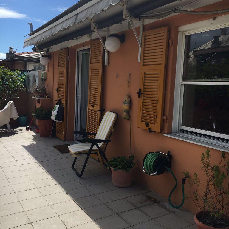 Attico / Mansarda in vendita a Genova, 7 locali, zona Località: SAN FRUTTUOSO, prezzo € 395.000 | Cambio Casa.it