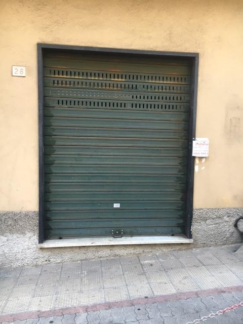 Negozio / Locale in affitto a Genova, 1 locali, zona Località: QUEZZI, prezzo € 300   Cambio Casa.it