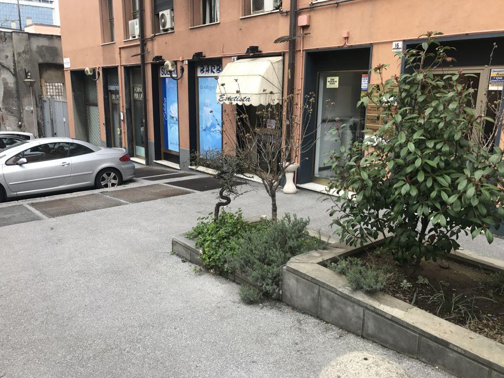 Attività / Licenza in vendita a Genova, 2 locali, zona Località: SAMPIERDARENA, prezzo € 165.000 | Cambio Casa.it