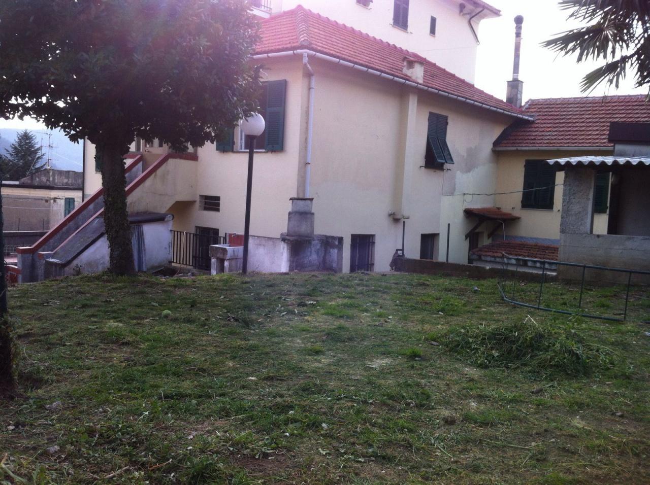 Soluzione Semindipendente in vendita a Sant'Olcese, 8 locali, Trattative riservate | Cambio Casa.it
